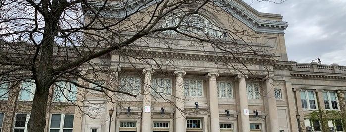 Nicholas Senn High School is one of Locais curtidos por Kara.
