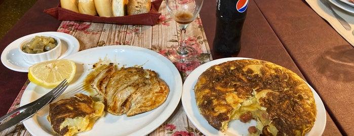 El Faro de Vigo is one of Comer.