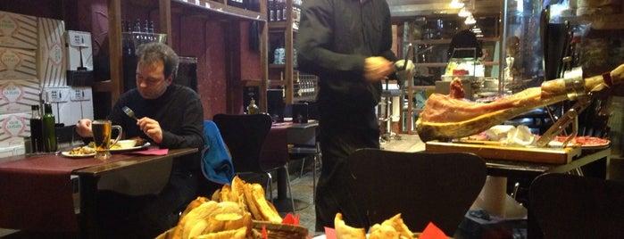 La Bellota is one of Куда отвести друзей в Барселоне.