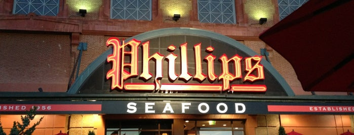 Phillips Seafood is one of Lieux qui ont plu à David.