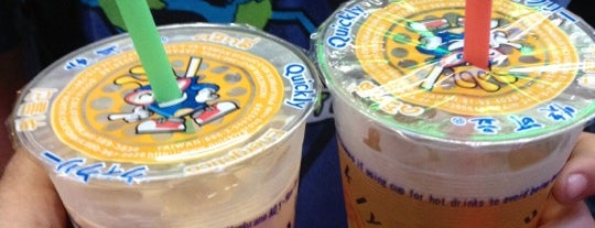 Boba Life NYC is one of Lugares guardados de Dee Phunk.