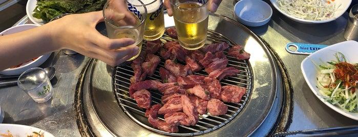 끼로끼로부엉이 노고산점 is one of Seung Oさんのお気に入りスポット.