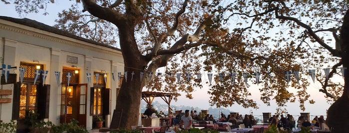 Πλατεια Μακρινιτσα is one of Lugares favoritos de Giorgos.