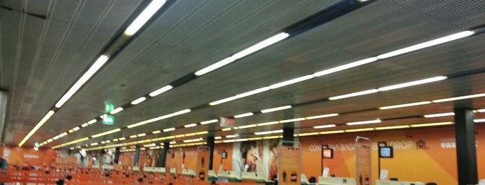 Easyjet Check-in is one of Aeroporto.