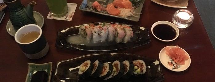 Makoto Sushi Bar is one of Tempat yang Disimpan Lorena.