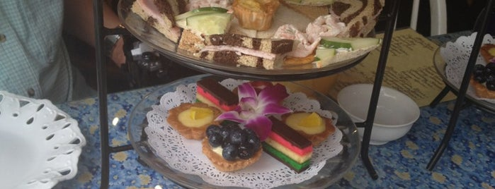 Robinson's Tea Room is one of Places I want to eat!.