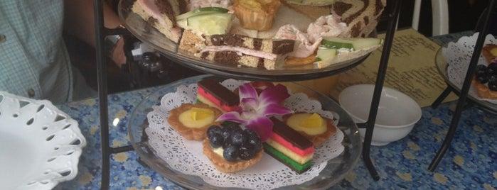Robinson's Tea Room is one of LI Places Bucket List:.