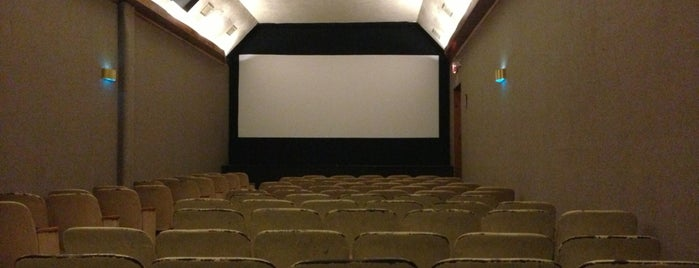Manlius Cinema is one of Lugares favoritos de Emily.