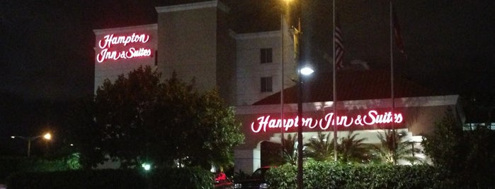Hampton Inn & Suites San Juan  Puerto Rico is one of สถานที่ที่ Frank ถูกใจ.