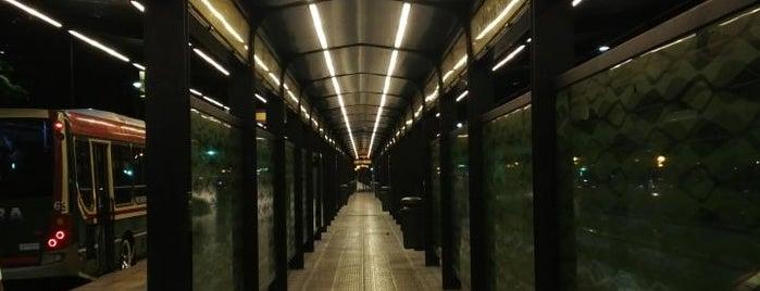 Metrobus - Estación Obelisco Norte is one of Lugares que conozco.