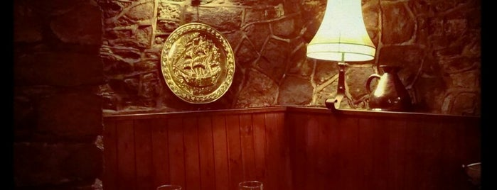 The Red Lion Inn is one of Locais curtidos por Leonard.