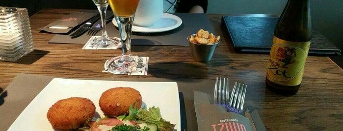 Restaurant 't Zwin is one of Orte, die Mike gefallen.