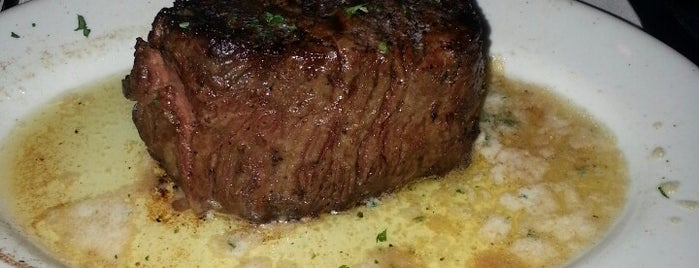 Ruth's Chris Steak House is one of Locais curtidos por Jiana.
