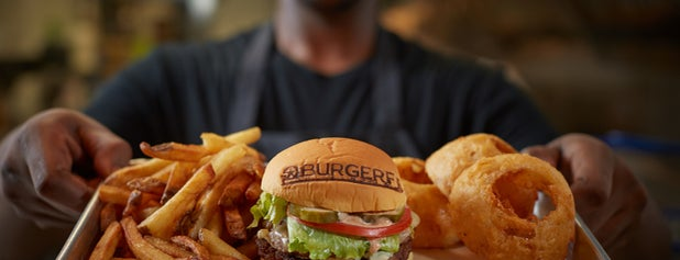 BurgerFi is one of Locais salvos de Maiddi.