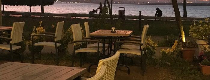 Hocca's Lounge is one of Istanbul Shisha.