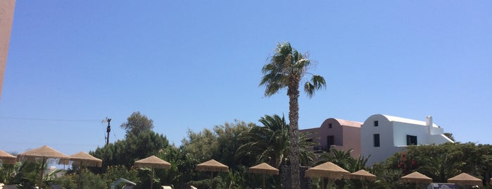 9 Muses Santorini Resort is one of Santorini.