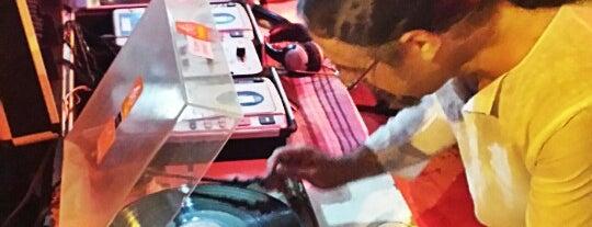 Melodia De Bodega com DJ Pós is one of to go..