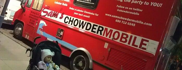 Sam's ChowderMobile is one of สถานที่ที่บันทึกไว้ของ Ayngelina.