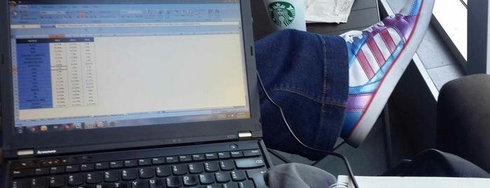 Starbucks is one of Tempat yang Disukai Mery.