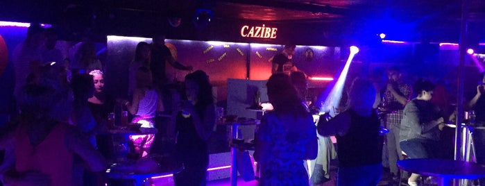 Club CAZİBE Taksim is one of Lugares favoritos de Aylin.