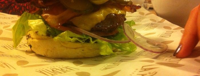 La Pepita Burger Bar Pontevedra is one of Locais curtidos por Gerardo.