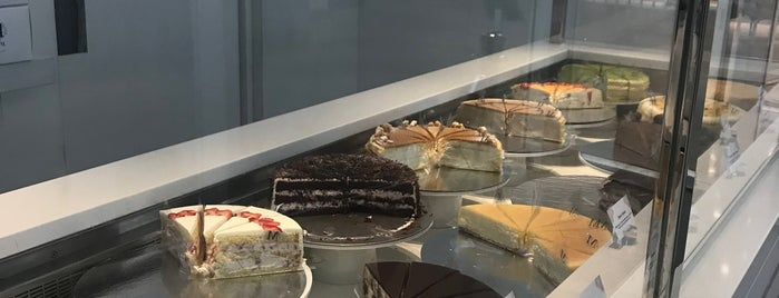 Lady M Cake Boutique is one of The New Yorkers: Tribeca-Battery Park City.