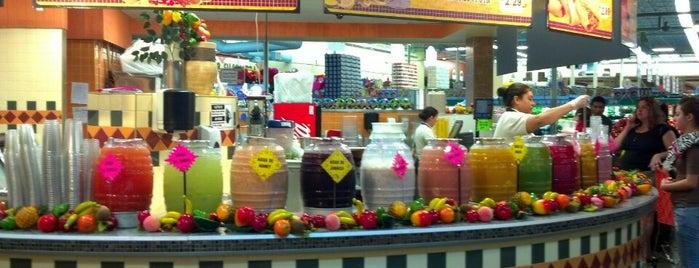 El Rancho Supermercado is one of Orte, die Angela gefallen.