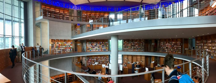 Bibliothek des Deutschen Bundestages is one of Christoph's Liked Places.