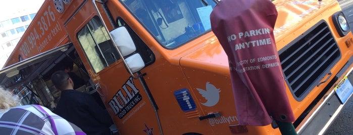 Bully Food Truck is one of Tempat yang Disukai Lesley.