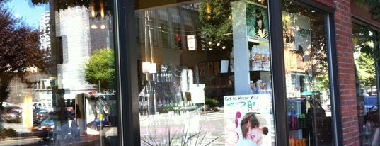 Salon Ciba is one of Tempat yang Disimpan Rob.