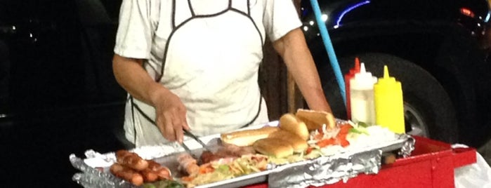 Hot Dog Lady is one of Antoinetteさんの保存済みスポット.