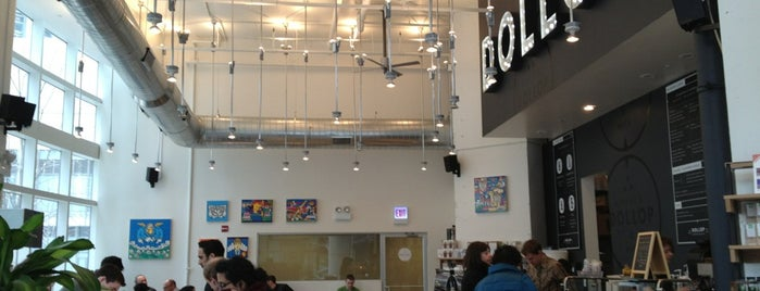 Dollop Coffee & Tea is one of Chi.