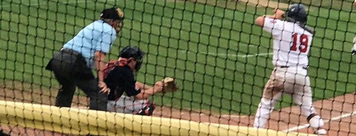Yarmouth - Dennis Red Sox Baseball is one of สถานที่ที่ Don ถูกใจ.