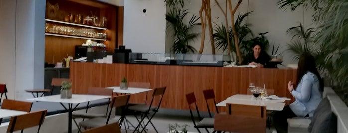 Cycladic Cafe is one of Orte, die Panagiotis gefallen.