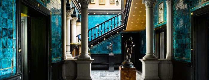 Leighton House Museum is one of Spots in London.