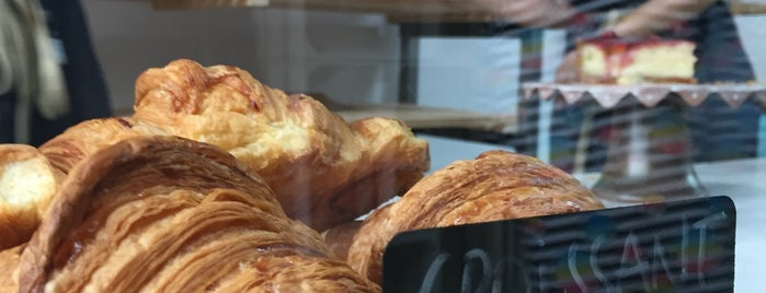 Galette  Pastim is one of Breakfast and nice cafes in Barcelona.