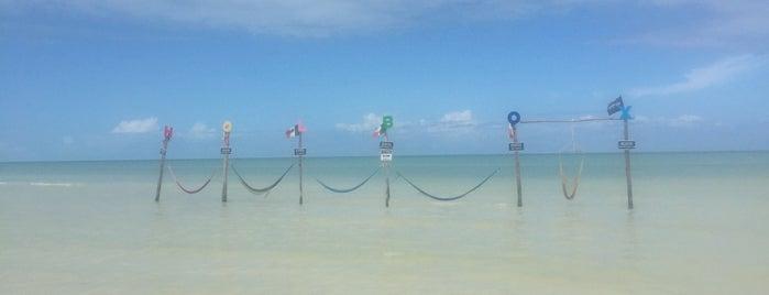 Club de Playa Las Hamacas is one of Cancun.