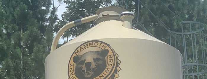Mammoth Brewing Company is one of Ryanさんのお気に入りスポット.