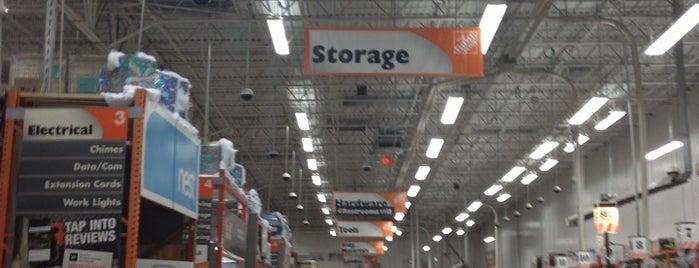 The Home Depot is one of Posti che sono piaciuti a Travis.