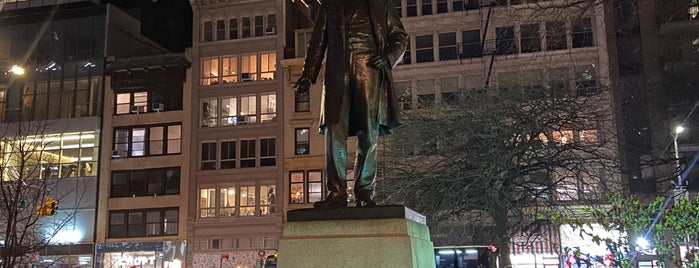 Statue of Roscoe Conkling is one of Atlas Obscura NYC.