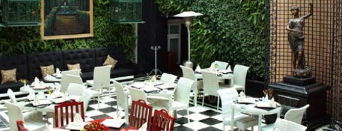 Veranda bistro is one of Lugares favoritos de Alejandro.