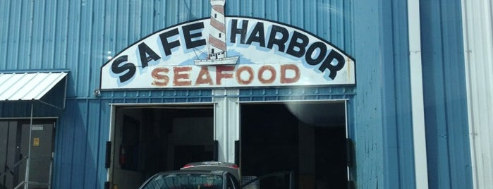Safe Harbor Seafood Market is one of Todd 님이 저장한 장소.
