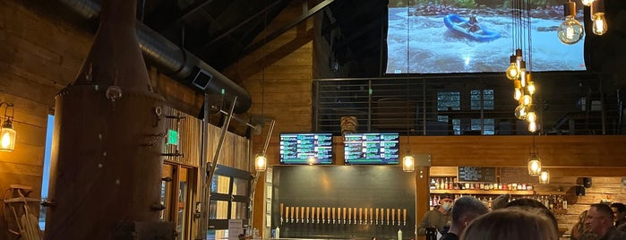 Crosscut Tap House is one of Bend.