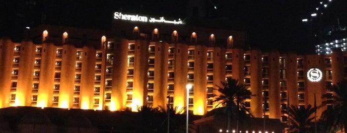Sheraton Abu Dhabi Hotel & Resort is one of Roberto: сохраненные места.