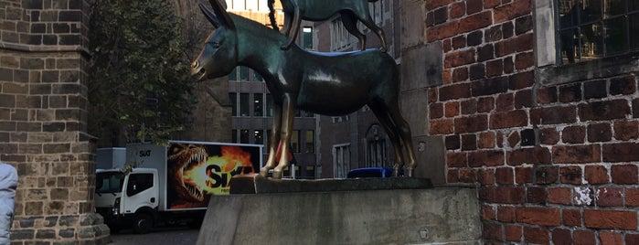 Bremen City is one of สถานที่ที่ Nina ถูกใจ.