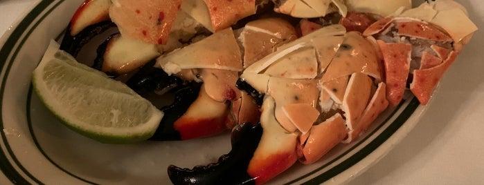 Joe's Stone Crab is one of Locais curtidos por Mei.