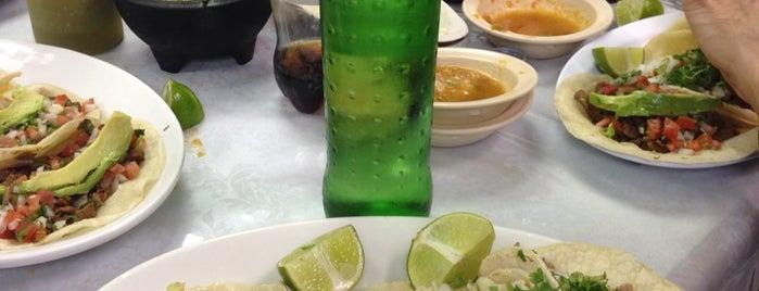 Taqueria El Palenque is one of Posti che sono piaciuti a Alex.