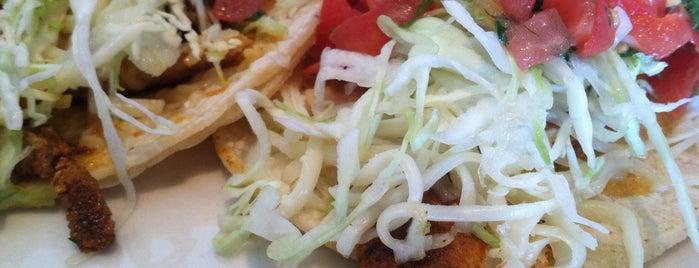 Baja Fish Tacos is one of สถานที่ที่บันทึกไว้ของ Pete.