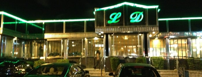 Lyndhurst Diner is one of Lugares guardados de Lizzie.