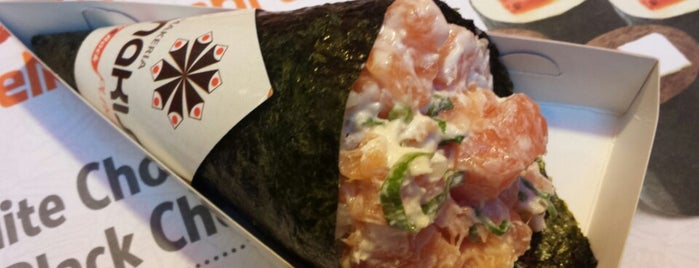 Makis Place is one of Carolinaさんのお気に入りスポット.